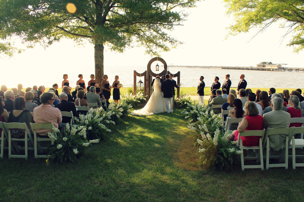 Outdoor wedding ceremony on Alabama Gulf Coast
