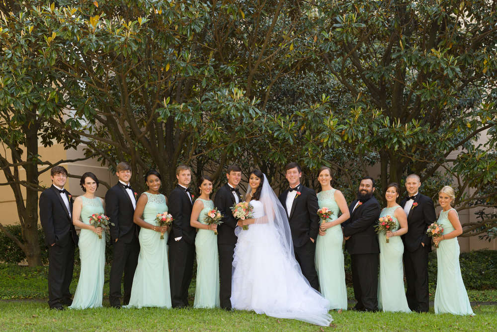 wedding party photo with mint bridesmaid dresses