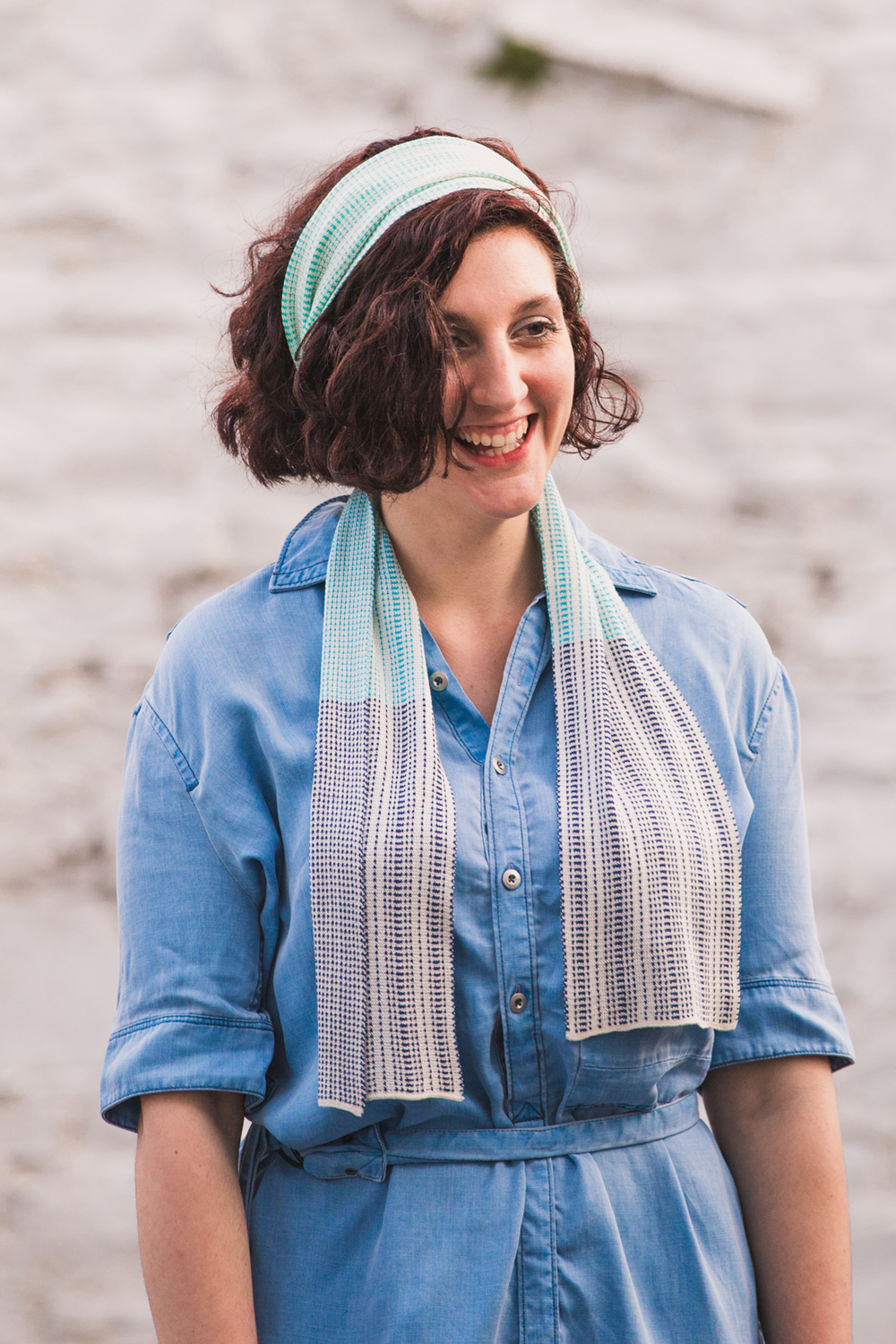Use your silk scarf as a headband, great for summery looks!
