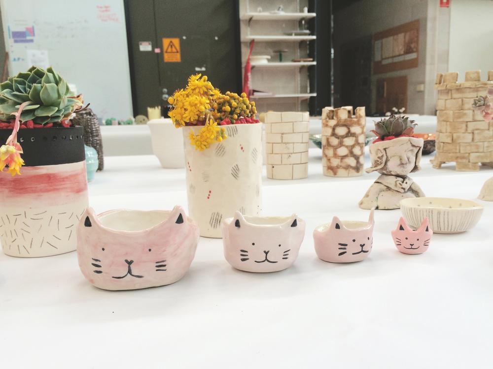 Little nesting cat bowls.