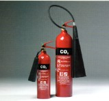 THE 5 & 2 KILOGRAM CO2 FIRE EXTINGUISHERS. - FOR USE ON: ELECTRICAL, FAMMABLE LIQUIDS, FLAMMABLE GASES