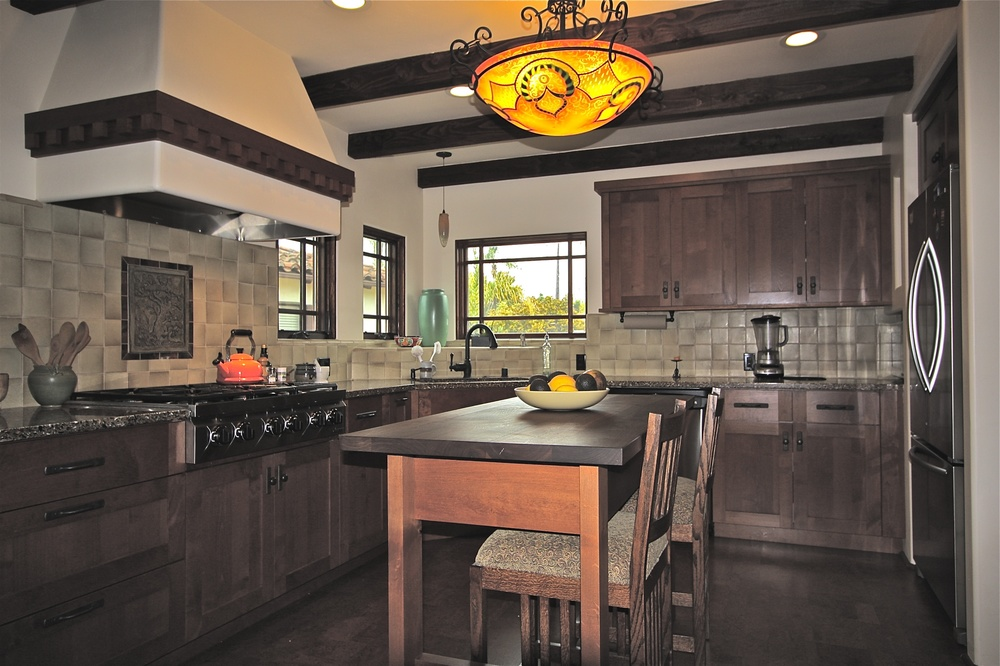 Traditional Style Green Kitchen (5).jpg