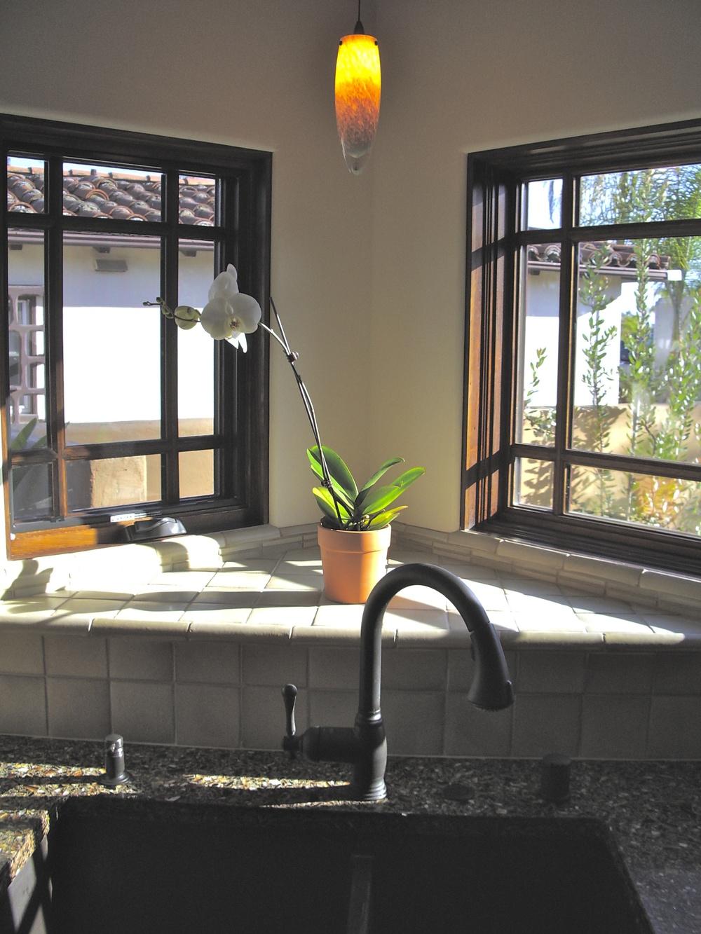 Sunny corner for sink.