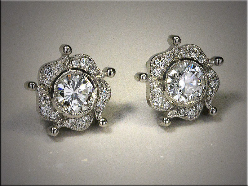 Diamond fashion earrings. p565-L.jpg