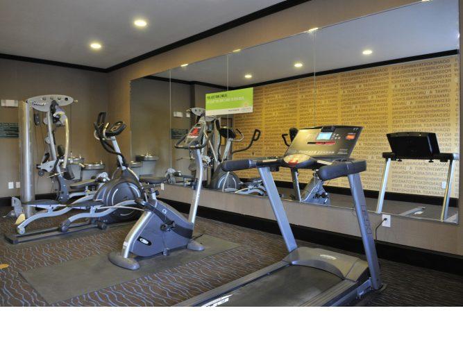 fitness-center.lqimg.slide.jpg