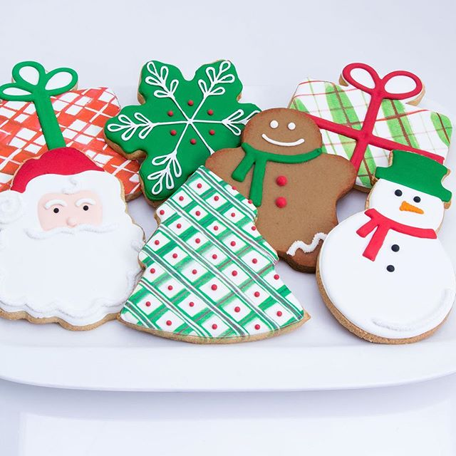 How my #illustrations look as #cookies. The gingerbread and snowman were collaborators but the rest are all mine. Creative direction by Tina Corso and Pete Hess.