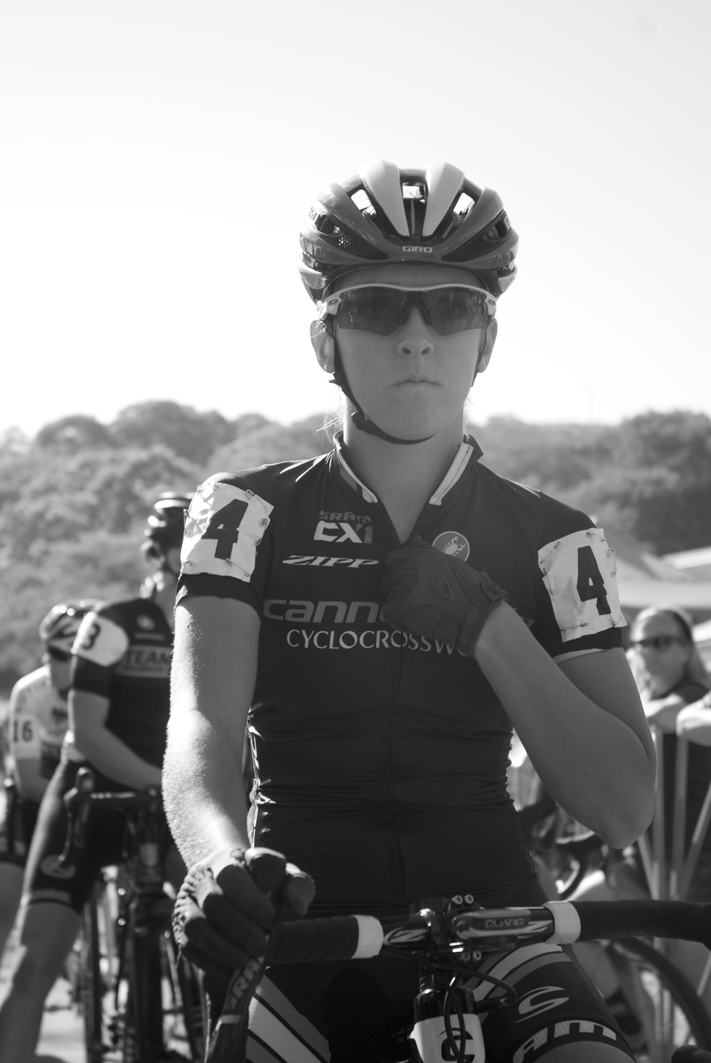 Kaitlin Antonneau lines up at the start of the UCI Pro Women field