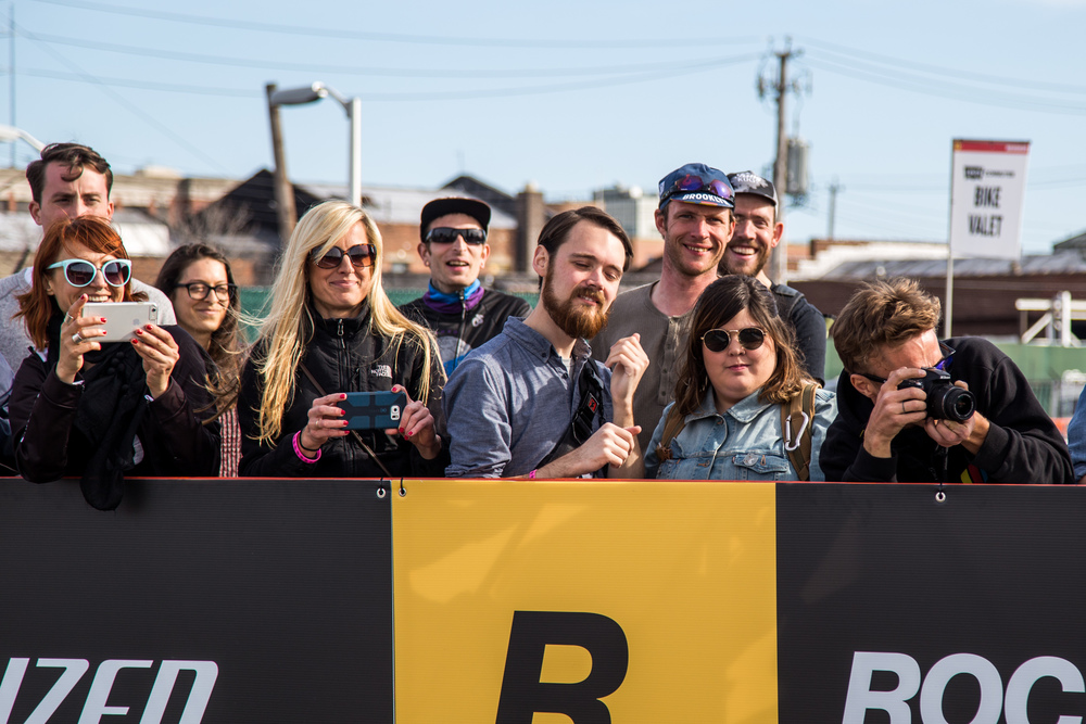 Female spectators at RHC 9 in Brooklyn, photo courtesy of @Tornanti_cc