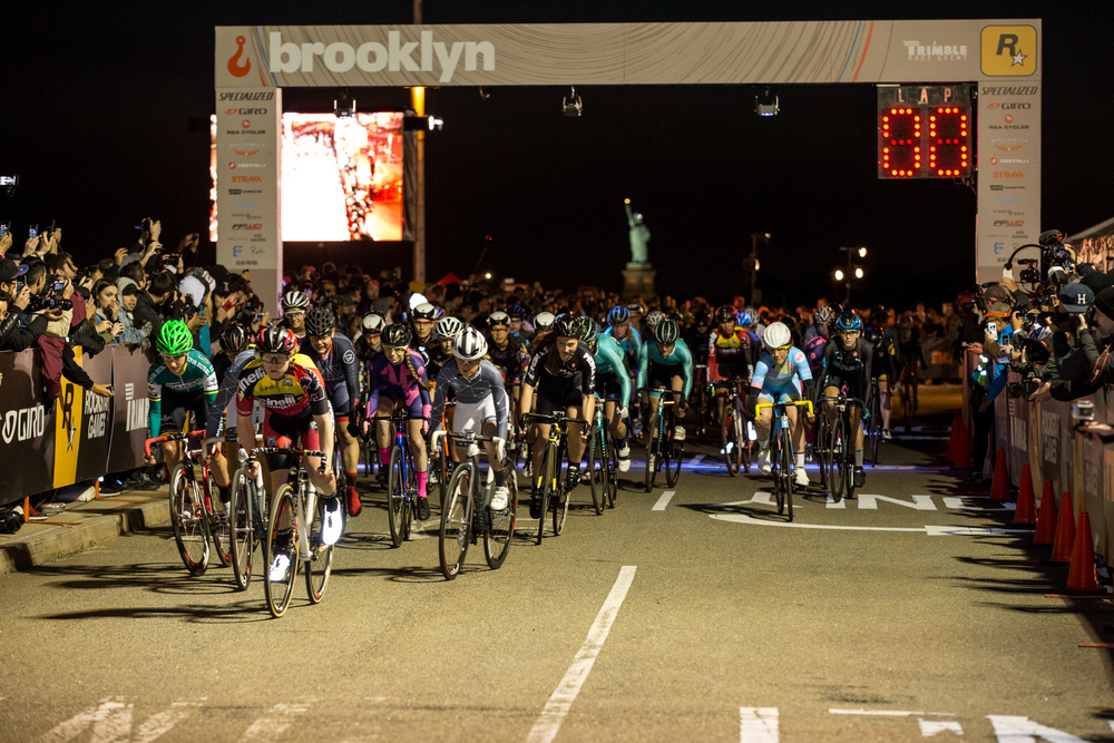 The giant women's field we see today, RHC 9 in Brooklyn, photo courtesy of @Tornanti_cc