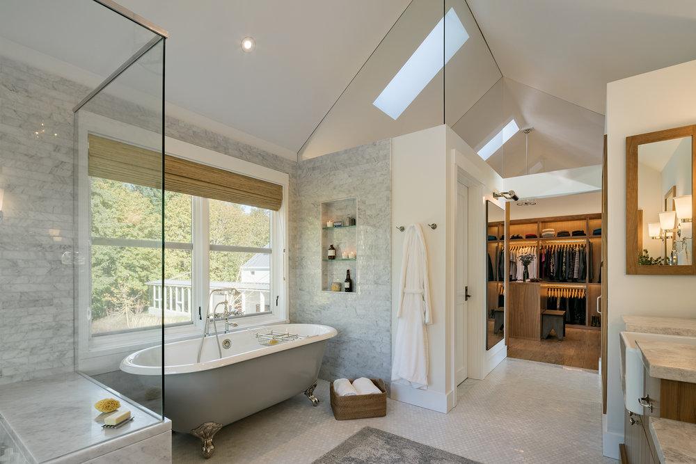 29 Dayton OR Master Bath Closet.jpg