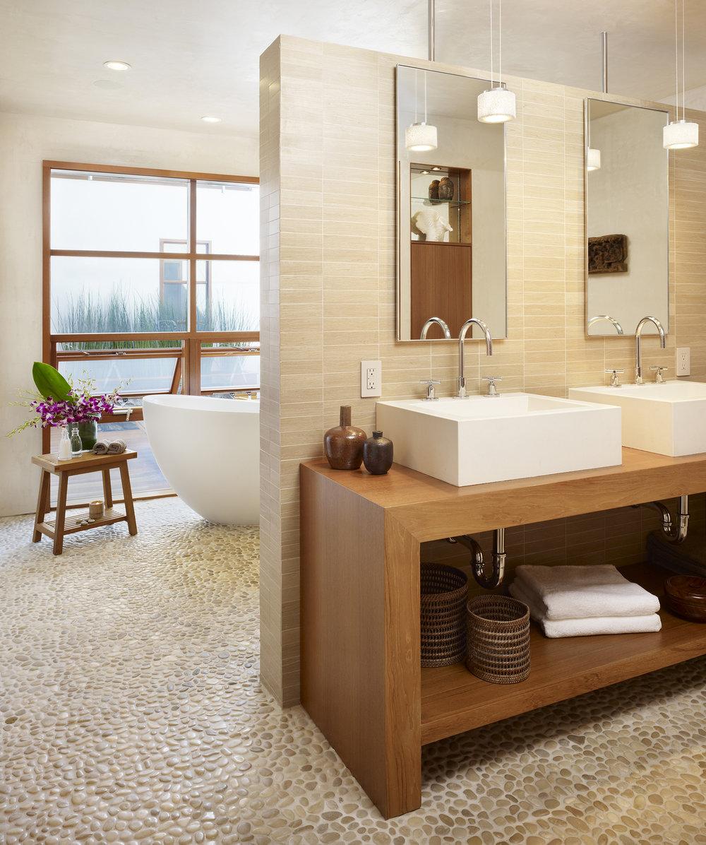 11  33rd Master Bathroom.jpg
