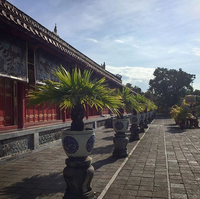 Imperial palace life is the only life u feel 👑🍕🎰 .  #travel #traveller #travelers #traveling #travelling #travelblogger #instatravel #instatravelling #travels #wander #wanderlust #photographer #cool #awesome #photo #photography #photograph #nomad #nomadlife #ontheroad #instadaily #instagood #travelgram #vietnam #hue #culture