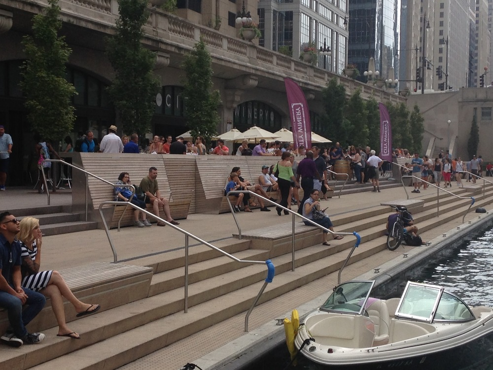 Wine bar and public space on the Chicago Riverwalk. Photo credit: Aaron Renn.