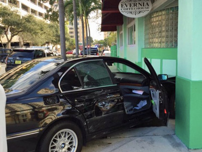 car_crashes_into_the_evernia_coffeehouse_in_west_palm_beach_-_fox29_wflx_tv__west_palm_beach__fl-news___weather.jpg