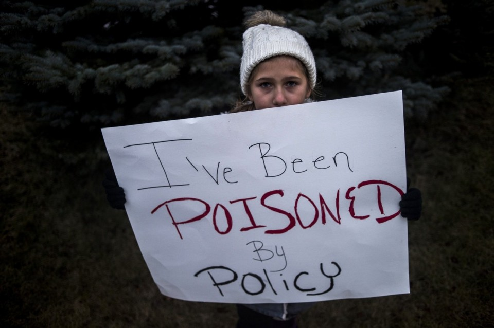 Image from www.mlive.com/news/flint/index.ssf/2016/01/more_than_150_call_for_gov_ric.html