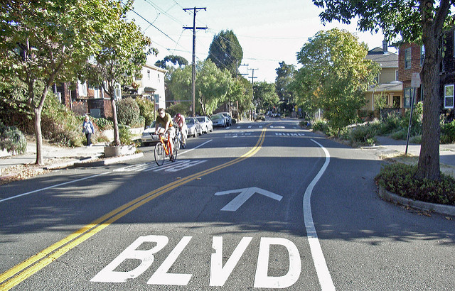 Photo of a bike boulevard and chicane in Berkeley, CA. (Photo by Payton Chung)