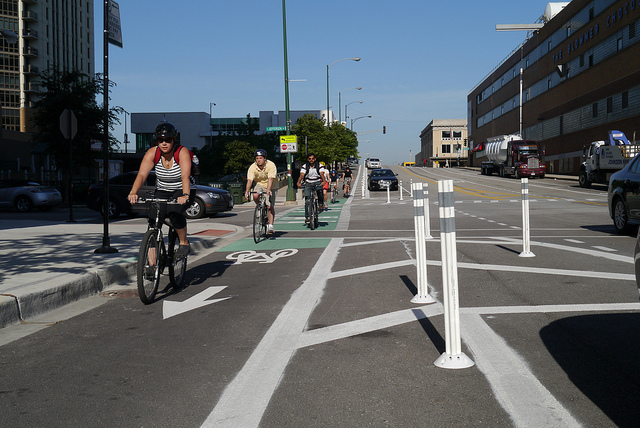 Protected bike lane in Chicago. (Photo by  Chicago Bicycle Program )