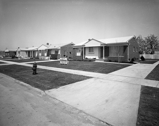 A Detroit suburb, circa 1950 (Source:  Roadsidepictures )