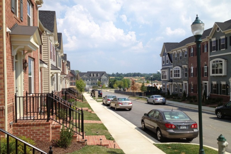 Most new streets in Clarksburg have sidewalks. (Image by the author.)