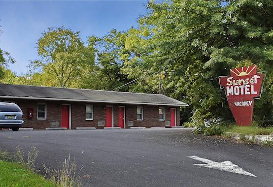 Sunset Motel, Branchburg, NJ. (Source:Addison Del Mastro)