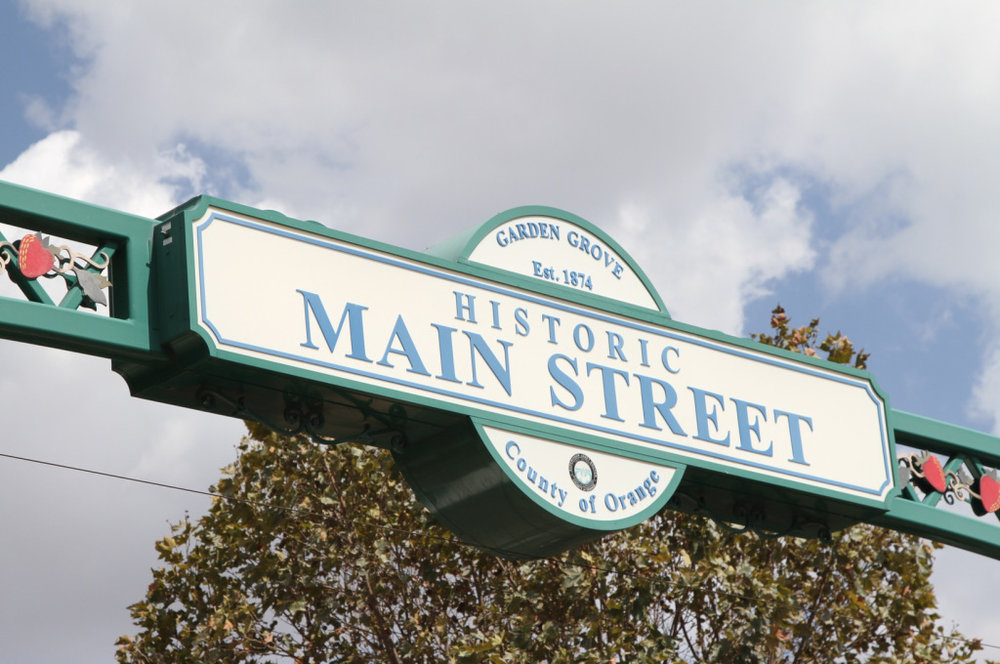 1mainstreetsign.jpg