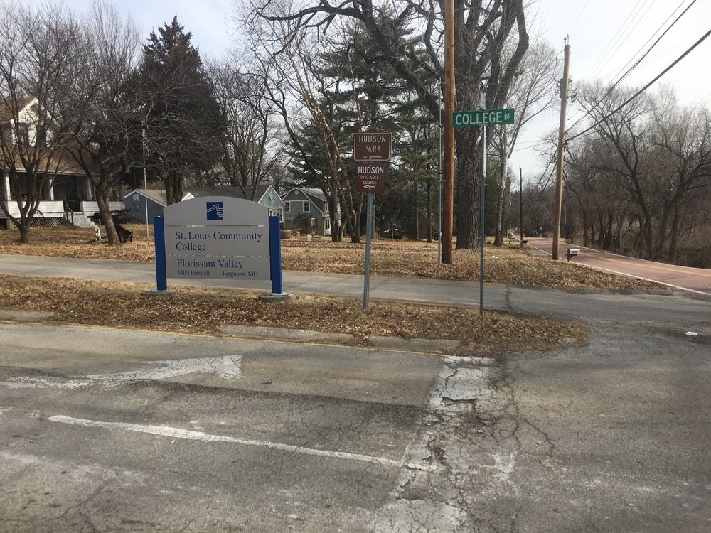A lack of sufficient sidewalks to connect residents to key locations like the St. Louis Community College and a neighborhood park shows true disregard for the people of Ferguson (Source: Aubrey Byron)