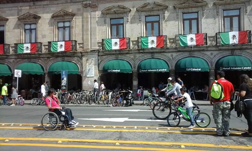 PICTURE 1 ciclovia dominical inclusiva.jpg
