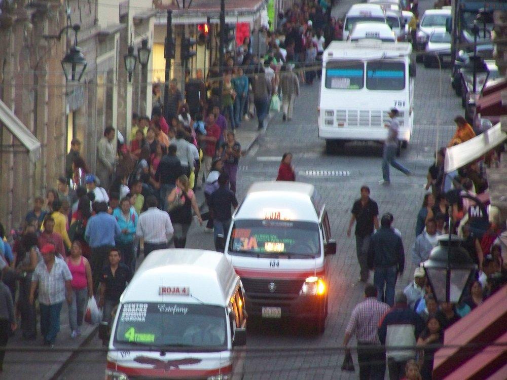 PICTURE 3 calle en el centro de Morelia-min.jpg