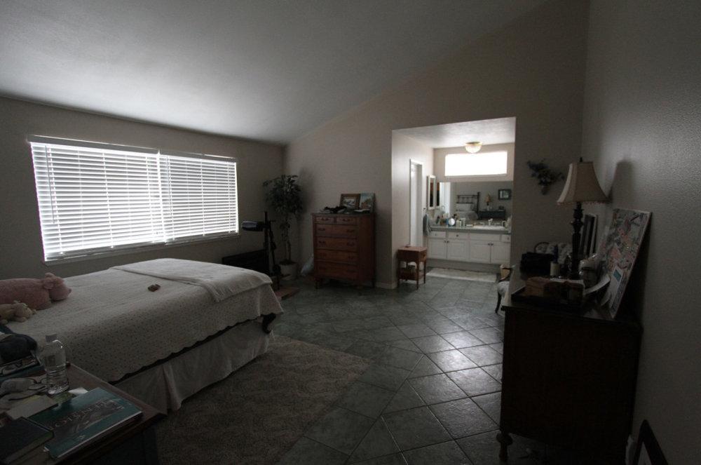 6bedroom.jpg