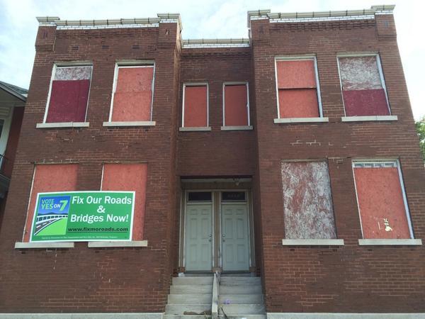 Amendment-7-Sign-on-Abandoned-Building.jpg