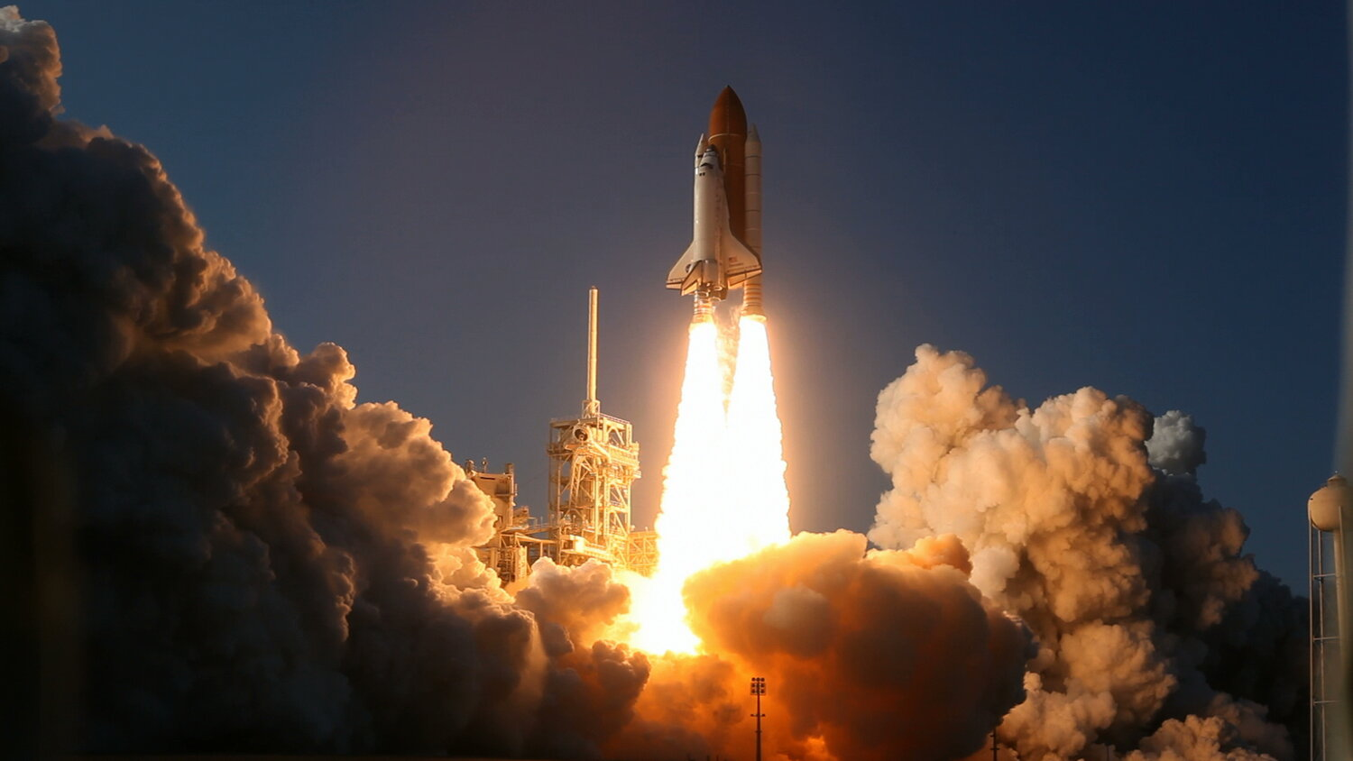 STS133 launch