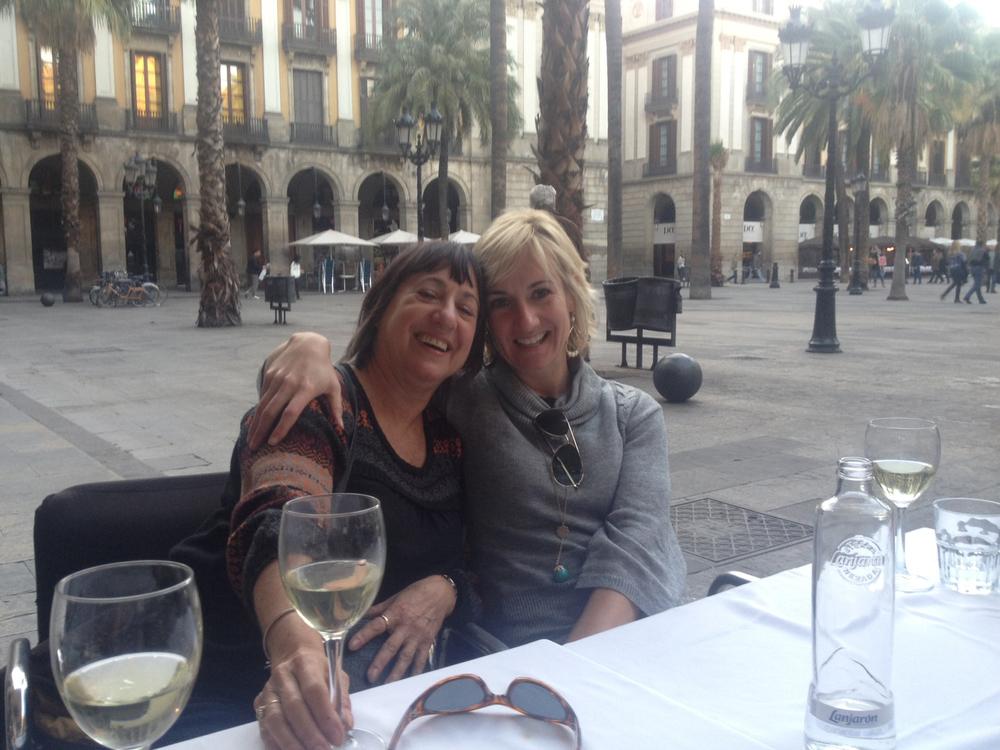 CarynandMomBarcelona.jpg