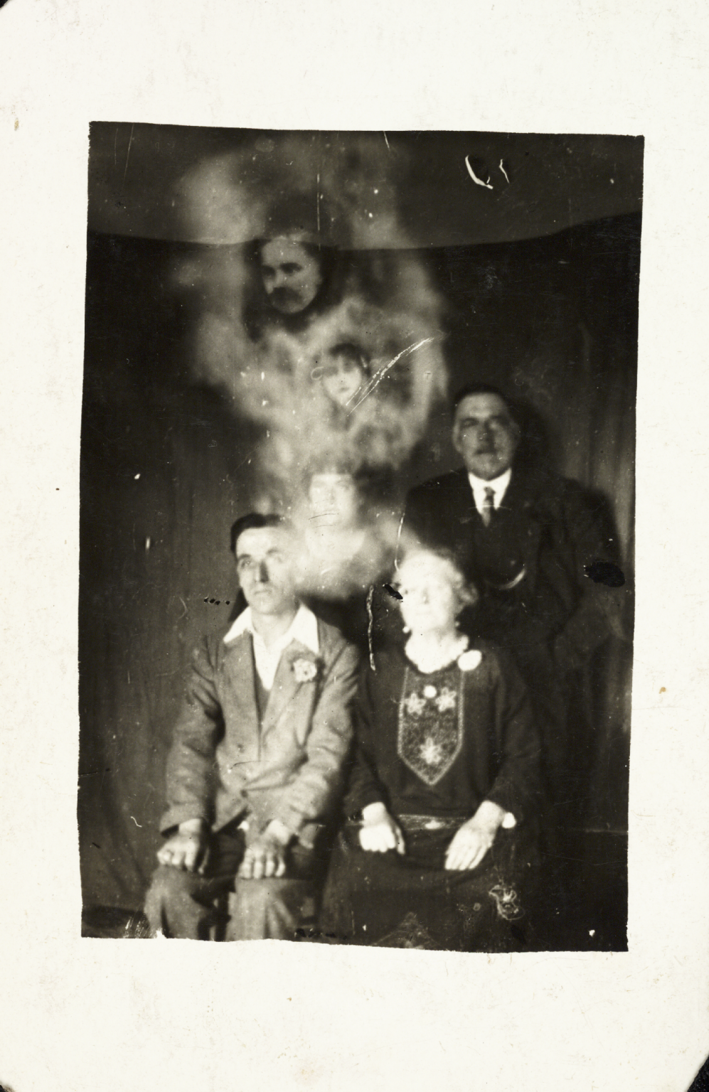 Ghost photograph #1.png William Hope.png