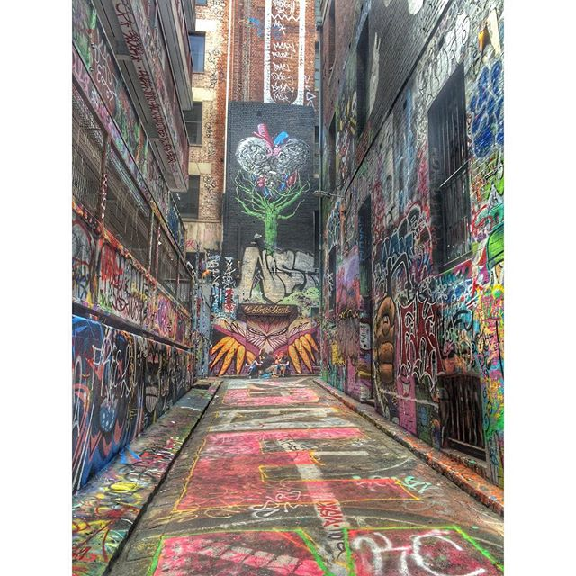 Who needs a museum when you have Hosier Lane? 🎨🎨