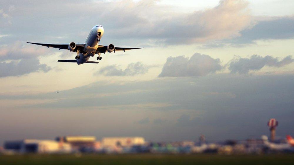 airplane-takeoff-speed_18bd11bf-0940-47fc-b137-809a0c96a277.jpg