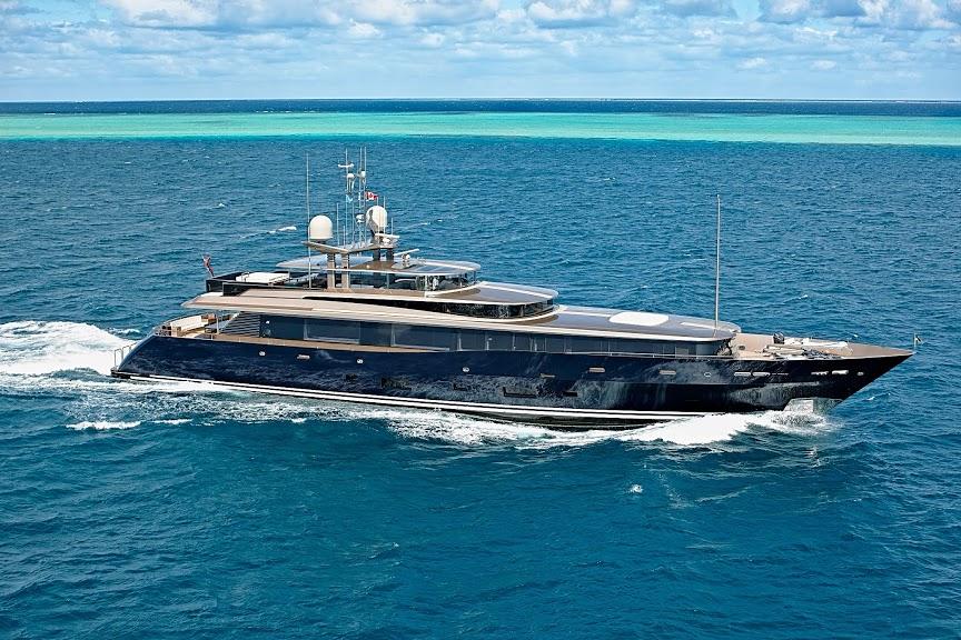 alloy-yachts-cosegna-il-nuovo-superyacht-ay43-loretta-anne-ay43-aerial-clp0218.jpg