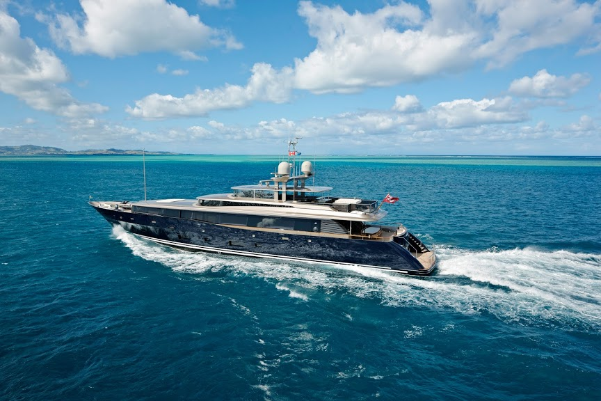 alloy-yachts-cosegna-il-nuovo-superyacht-ay43-loretta-anne-ay43-aerial-h1w0071.jpg