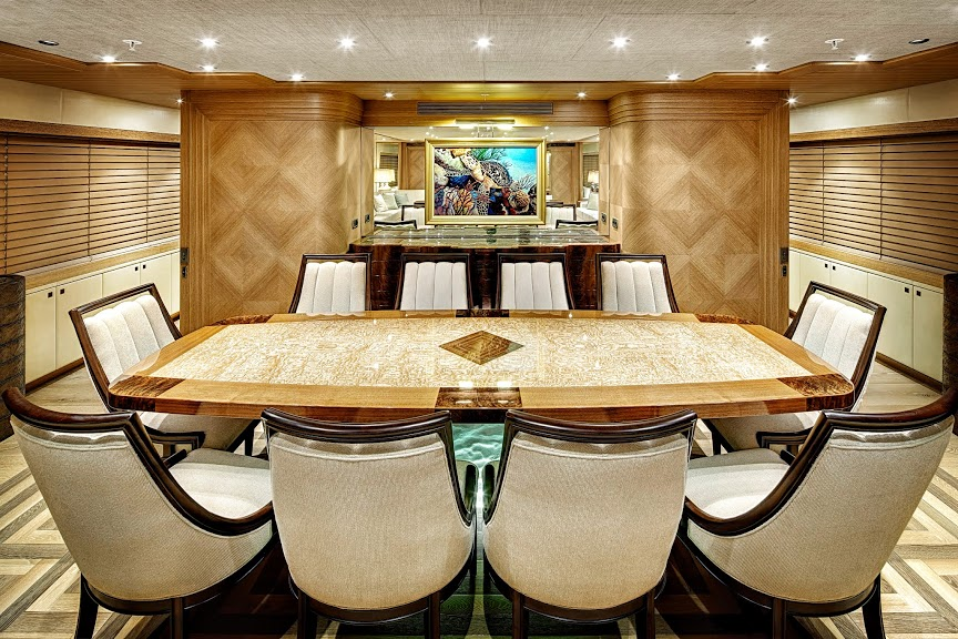 alloy-yachts-cosegna-il-nuovo-superyacht-ay43-loretta-anne-ay43-dining.jpg