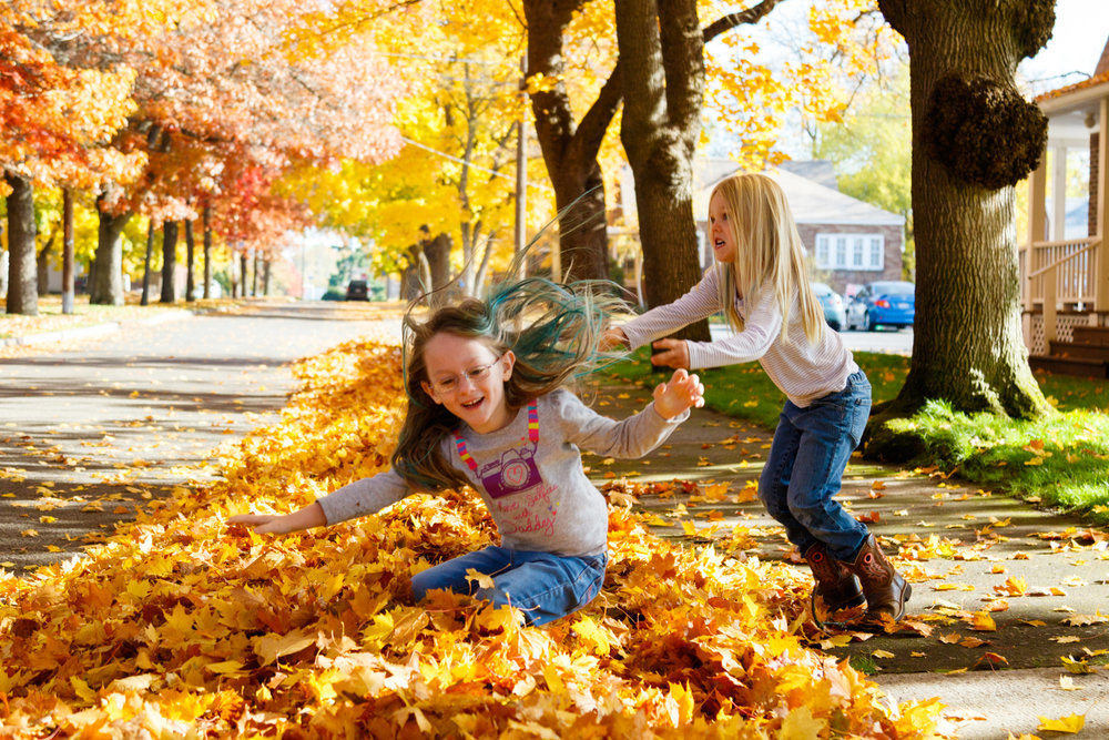 Kids in Leaves -20171027_001.jpg