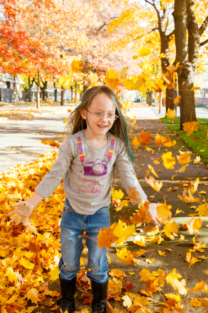 Kids in Leaves -20171027_006.jpg