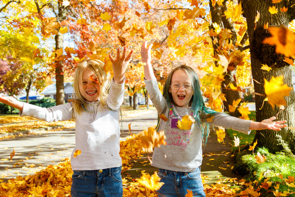 Kids in Leaves -20171027_009.jpg