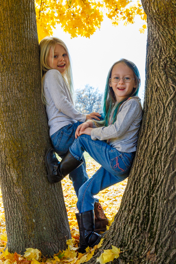 Kids in Leaves -20171027_054.jpg
