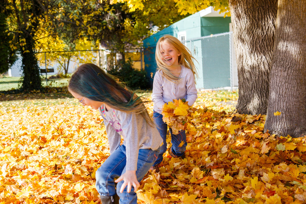 Kids in Leaves -20171027_086.jpg