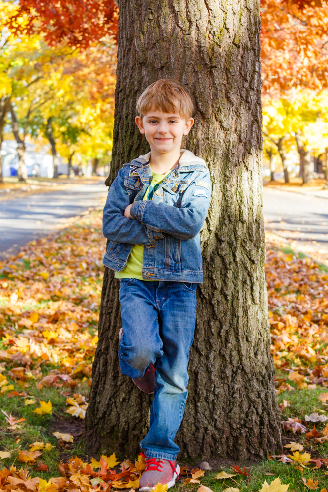 Kids in Leaves -20171027_047.jpg