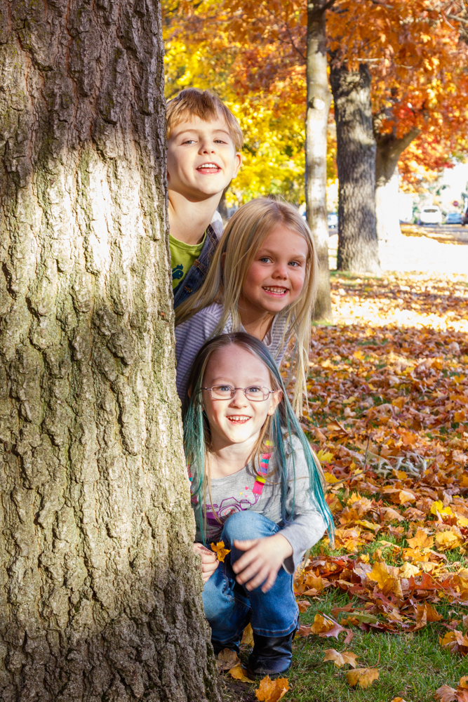 Kids in Leaves -20171027_046.jpg
