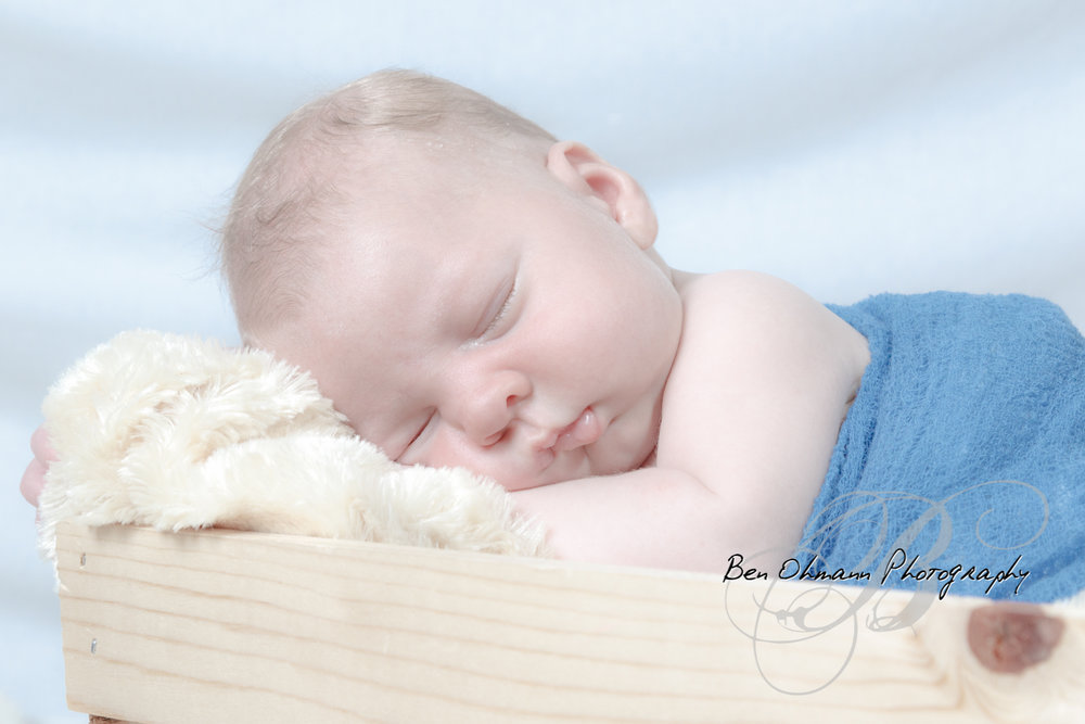 James Newborn Session-20180626_025.jpg