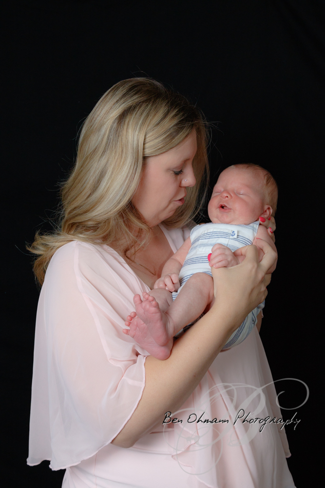 James Newborn Session-20180626_086.jpg