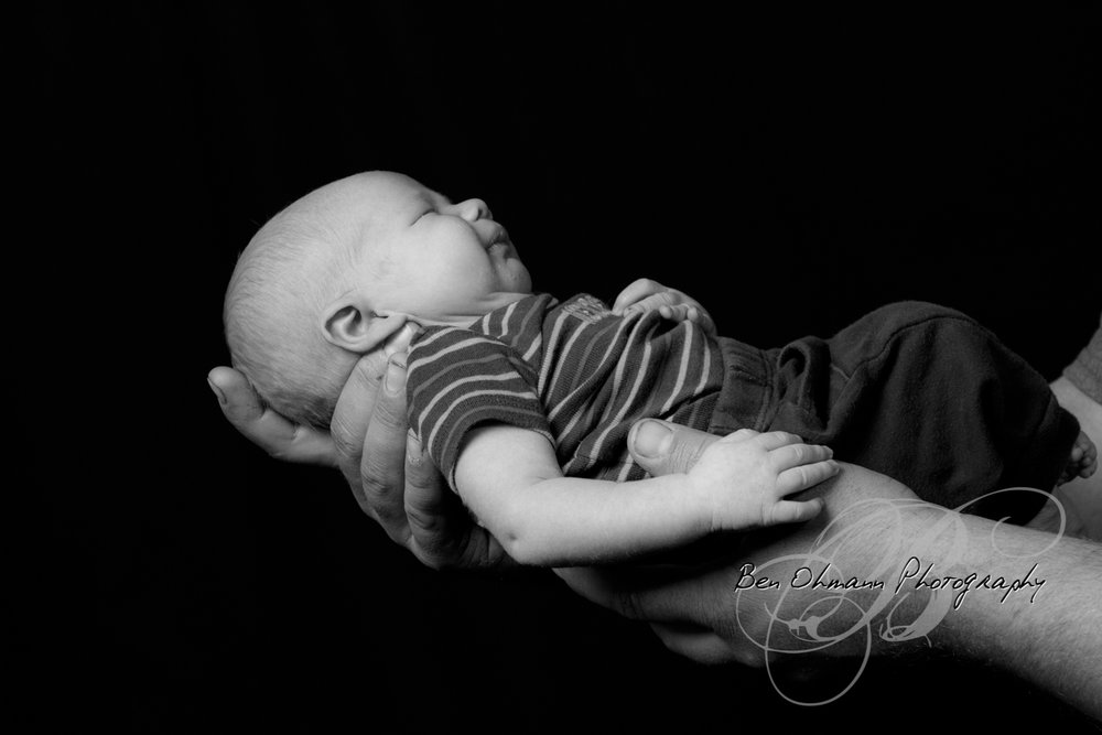 Waylon Newborn Session-20180819_027.jpg