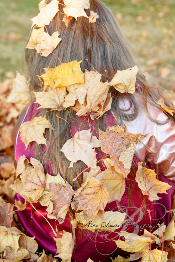 Zenna in the Leaves Mini-Session-20181016_030.jpg