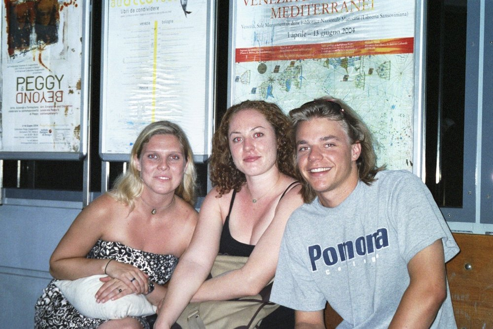 Danielle, Geneve, Phil at Accedemia Vaporetto Station.jpg